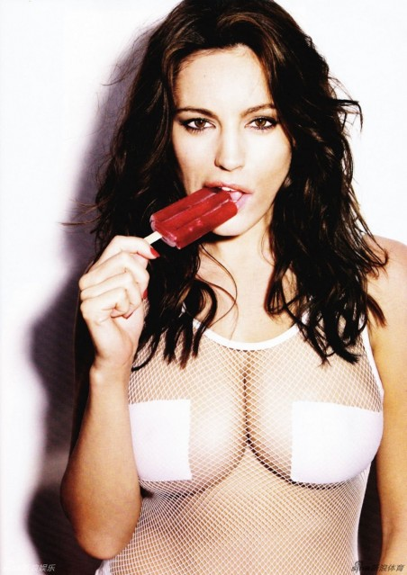 Kelly Brook Fashion