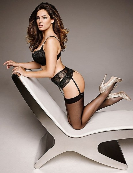 Kelly Brook Official Calendar Preview Kelly Brook Has The Perfect Body Kelly Brook