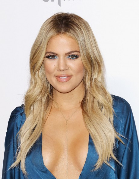 Oe Kardashian Blonde Hair Dye Main Hair