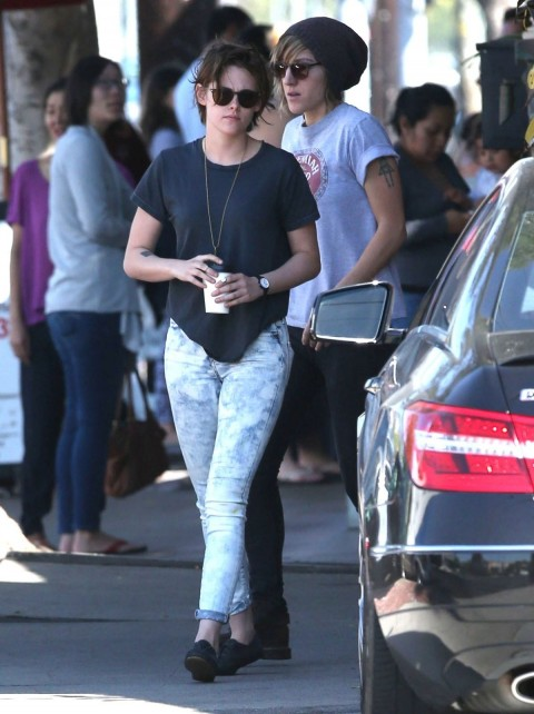 Kristen Stewart Going Out For Coffee In Los Angeles