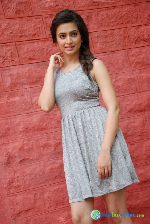 Kriti Kharbanda In Tirupathi Express Stills Kriti Kharbanda