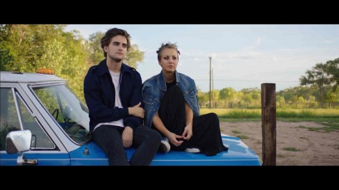 Still Of Kaley Cuoco And Landon Liboiron In Burning Bodhi Large Picture Landon Liboiron