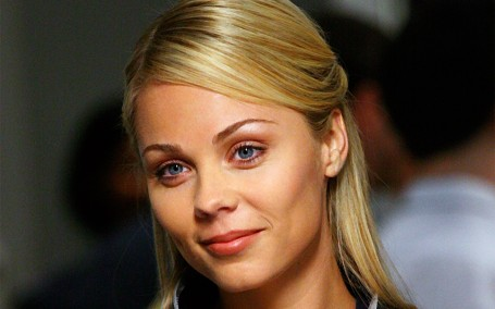 Laura Vandervoort Hd Wallpapers Eyes Laura Vandervoort