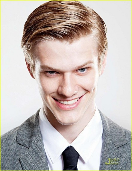 Lucas Till August Man Photo Hair Fa Ba Cf Large Lucas Till