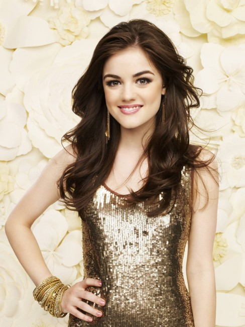 Lucy Hale Pretty Little Liars Outfits Wallpaper Fashion
