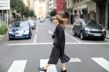 Clochet Streetstyle Monki Squared Black White Culottes Lykke Li And Other Stories Loafers Lykke Li