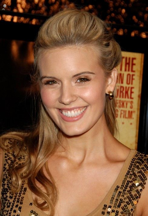 Smiling Maggie Grace Wallpapers