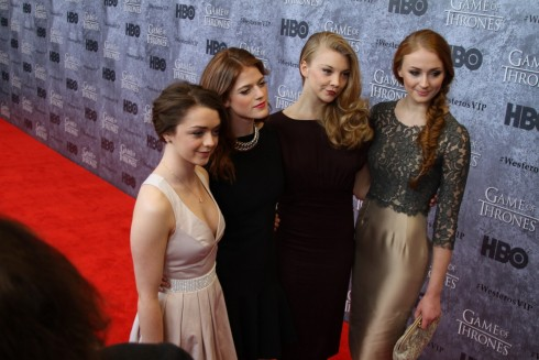 Game Of Thrones Arya Stark Maisie Williams Rose Leslie Sophie Turner Ygritte Margaery Tyrell Natalie Dormer Sansa Stark And Sophie Turner