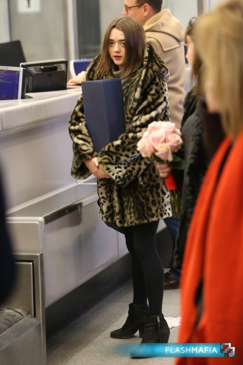 Maisie Williams Departs From Berlin Airport Maisie Williams