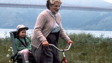 Robin Williams Und Mara Wilson In Mrs Doubtfire Mara Wilson