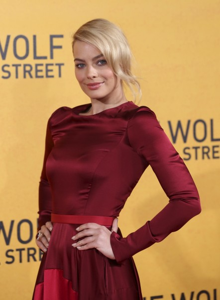 Margot Robbie Wolf Of Wall Street Clothes