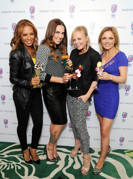 Feb Th London Emma Melanie Geri Mel Judy And Jennifer At Harvey Nichols Spice Girls Mel