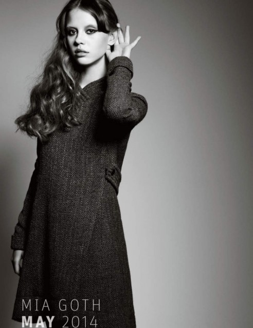 Actrice Mia Goth Modelling
