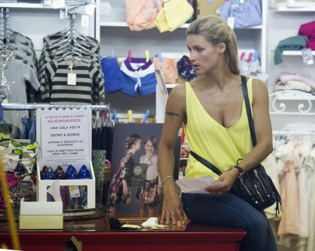 Michelle Hunziker Sole And Tomaso Trussardi Shopping At Salina Baby Shop In Milan Michelle Hunziker