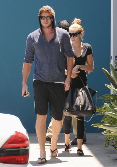Liam Hemsworth And Miley Cyrus Matching Tattoos Wallpaper Tattoos