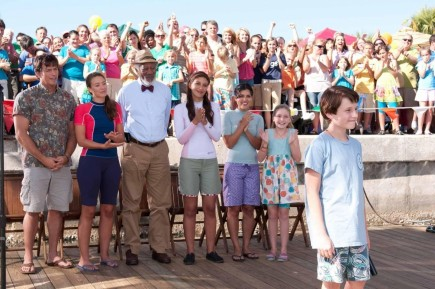 Still Of Morgan Freeman Harry Connick Jr Nathan Gamble Austin Highsmith Juliana Harkavy Betsy Landin And Cozi Zue Sdorff In Dolphin Tale Bf Ff Bd Ff Image