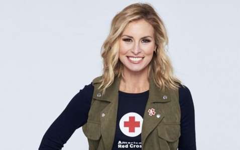 Niki Taylor Red Cross Blood Donations Ftr Niki Taylor