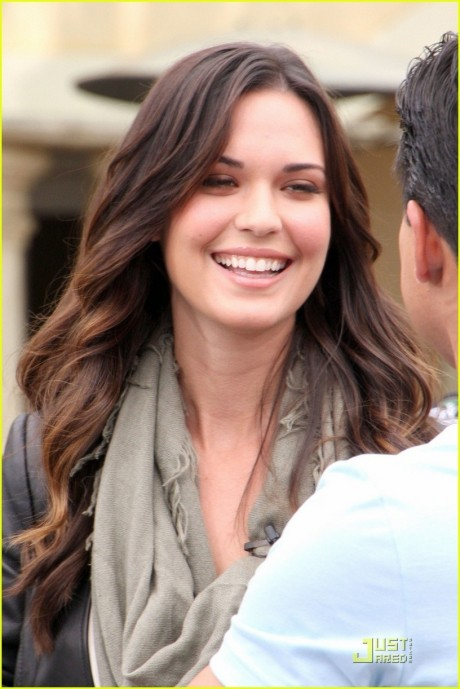 Ab Odette Annable Breaking In On Extra Odette Annable