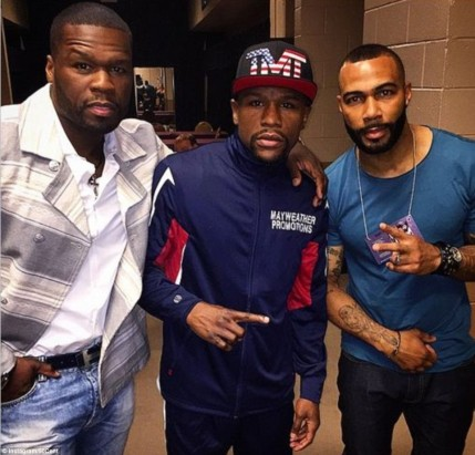 Mayweather Poses With Rapper Cent And Actor Omari Hardwick Ah
