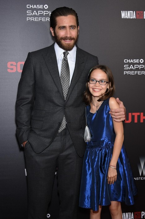 Jake Gyllenhaal And Oona Laurence At Event Of Southpaw Large Picture Oona Laurence