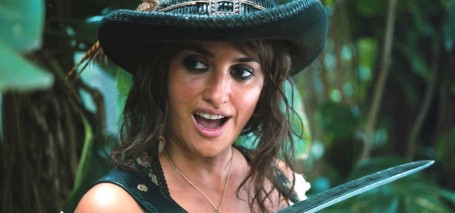 Pirates Penelope Cruz Knife Movies