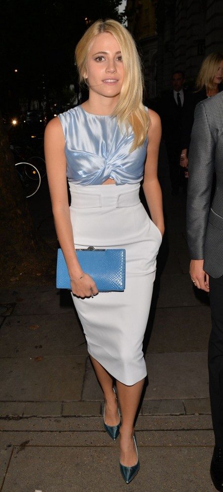 Pixie Lott Attend The Scottish Fashion Awards In London Fashion
