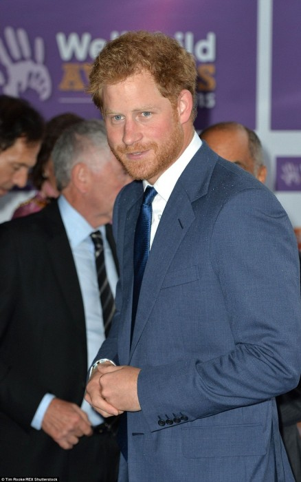 De Prince Harry Looked Dapper As He Arrived At The Glittering Award Tv