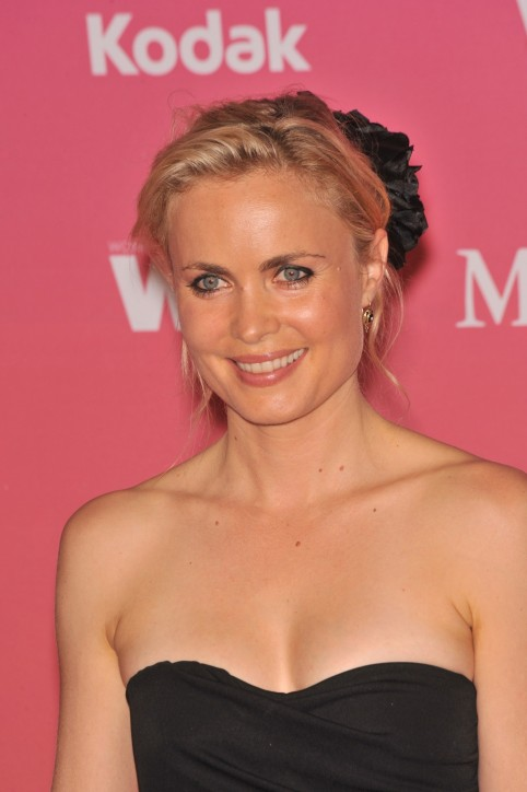 Radhamitchell Crystal And Lucy Awards Vettrinet Radha Mitchell