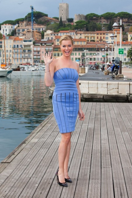 Rebecca Romijn Posing On The Librarians Photocall During Mipcom Festival In France