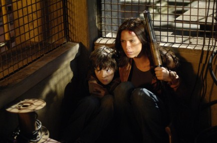 Still Of Rhona Mitra And Matthew Knight In Skinwalkers Large Picture