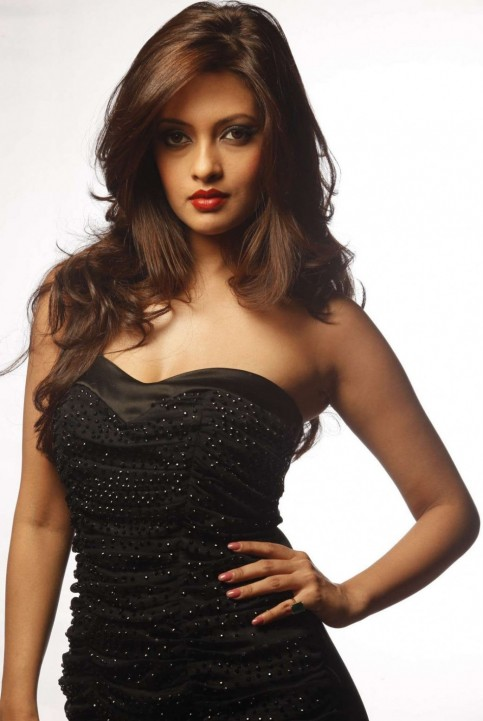 Riya Sen Hot Photoshoot For Movie Movies