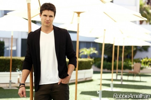 Robbie Amell Robbie Amell