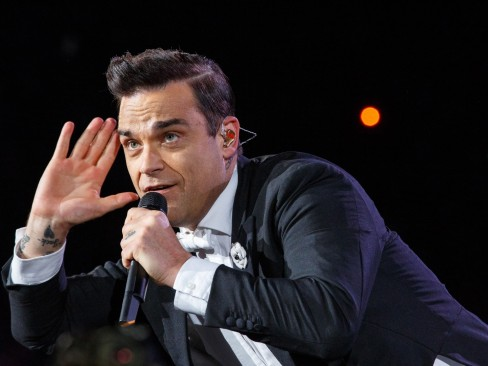 Robbie Williams Nu Sur La Pochette De Son Nouvel Album Album