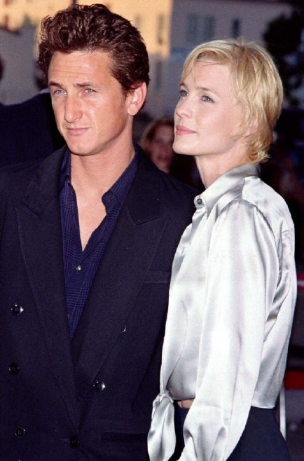 Actress Robin Wright Penn Star Of The New Mgm Film Moll Flanders Poses With Her Husband Sean Pen Robin Wright