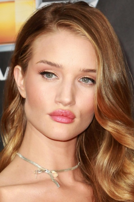 Rosie Huntington Whiteley Transformers Dark Side Of The Moon Premiere In New York Pictures Transformers