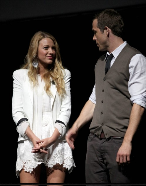 Cinema Con Blake Lively And Ryan Reynolds And Blake Lively