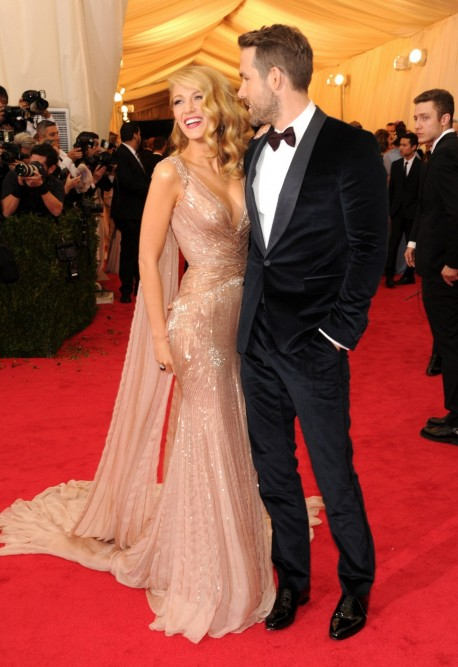 Fashion Blake Lively Gucci Dress Ryan Reynolds Main Ryan Reynolds