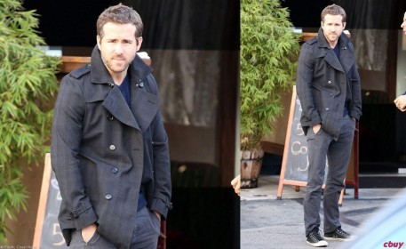 Ryan Reynolds Grey Jacket Pea Coat Grey Pants Converse Chuck Taylors Fashion Db Cc De Afb Large Fashion