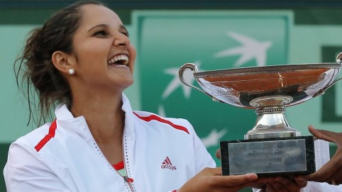 Sania Mirza With Trophy Engagement