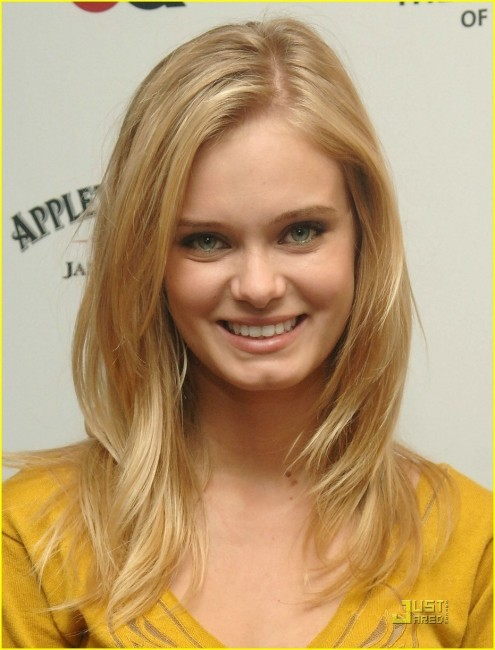 Beautiful Sara Paxton Wallpaper For Desktop Background