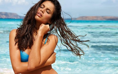 Sara Sampaio On The Beach Beach