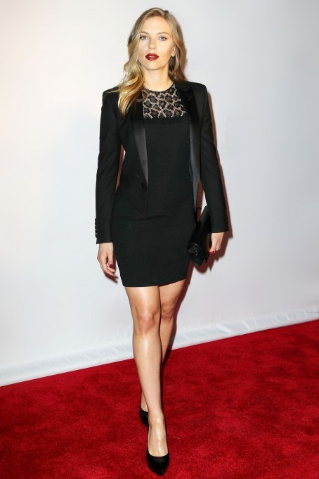 Scarlett Johansson En Saint Laurent Par Hedi Slimane North White