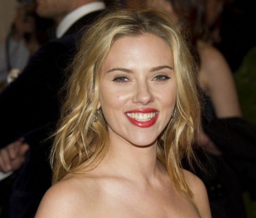 Theater Scarlett Joha Darg Hot