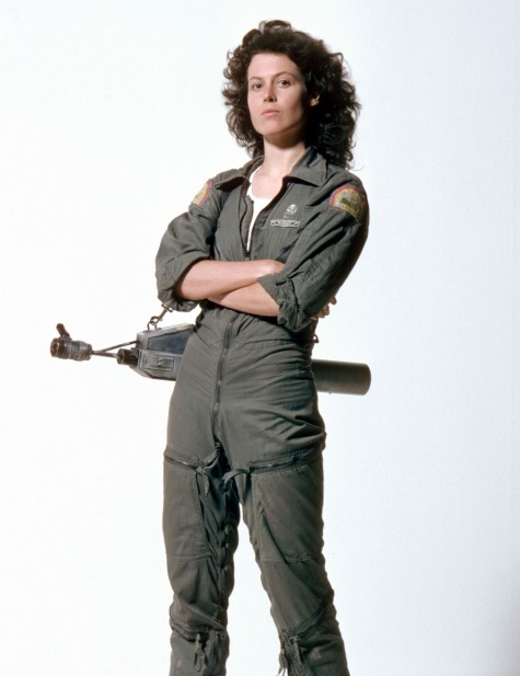 Sigourney Weaver Pose Alien Movies