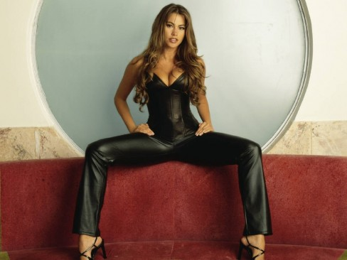 Sofia Vergara Son College Wallpaper Sofia Vergara