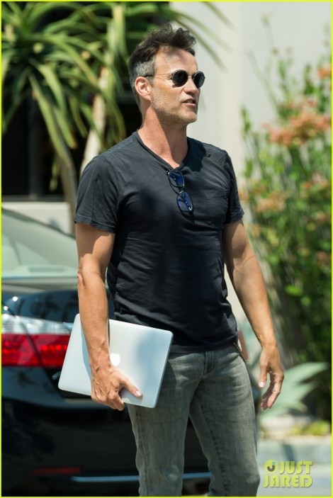 Stephen Moyer Pulls An All Nighter While Filming Shots Fired Stephen Moyer