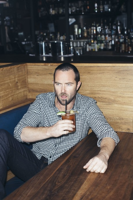 Am Addicted To You Tvs Hottest Dadbod Blindspot Star Sullivan Stapleton Sullivan Stapleton