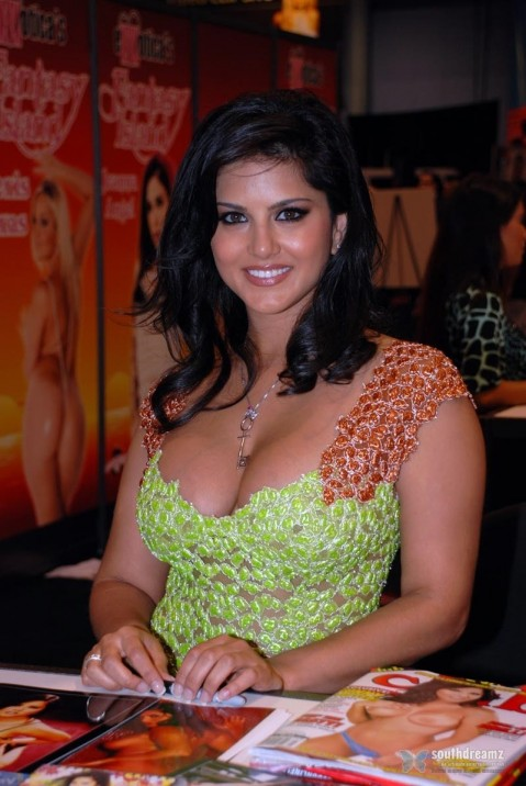 Exclusive Photos Of Sunny Leone Hot Sensuous Rare Private And Personal Movies List