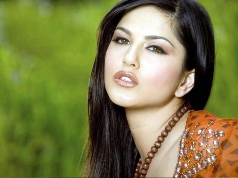 Sunny Leone Some Actors Are Unwilling To Work With Me Mid Day