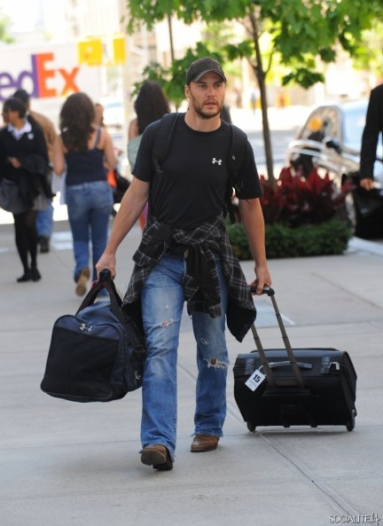 Taylor Kitsch Flannel Jeans New York City Taylor Kitsch